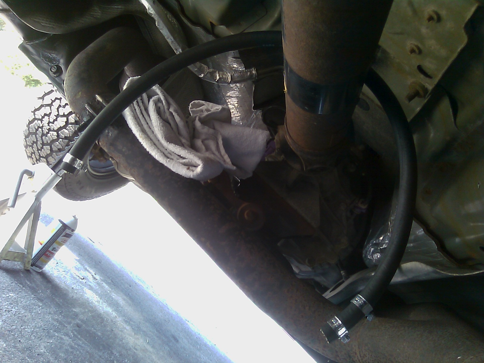 How To Fix A Damaged Fuel Line F150online Forums Filter On 2012 F250 Step 5 Slip The Hose Rail And Use Your Screw Driver Tighten Clamps Down They Should Be Tightened Little Past Hand